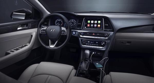 2018 Hyundai Sonata interior