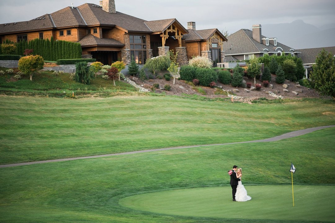Christine & Josh Seattle Washington Snoqualmie Ridge Country Club Wedding_0092