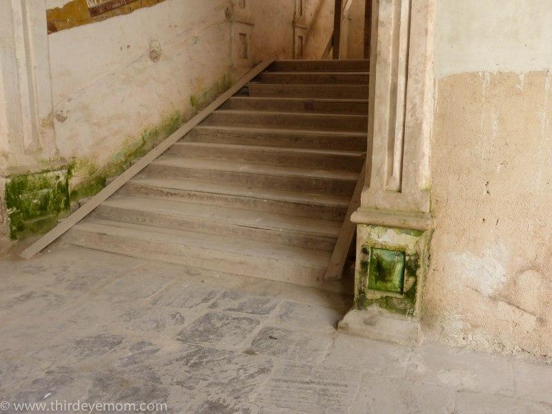 Cuban staircase