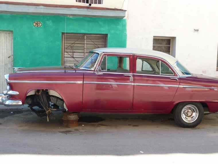 Old cars in Havana