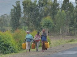 Women carrying water in rural Ethiopia