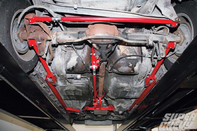 UMI SFC, Torque Arm And Panhard Bar Install In Super Chevy