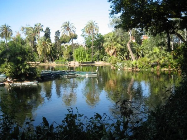 lake at Ciutadella Park