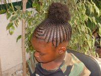 braiding girls hair