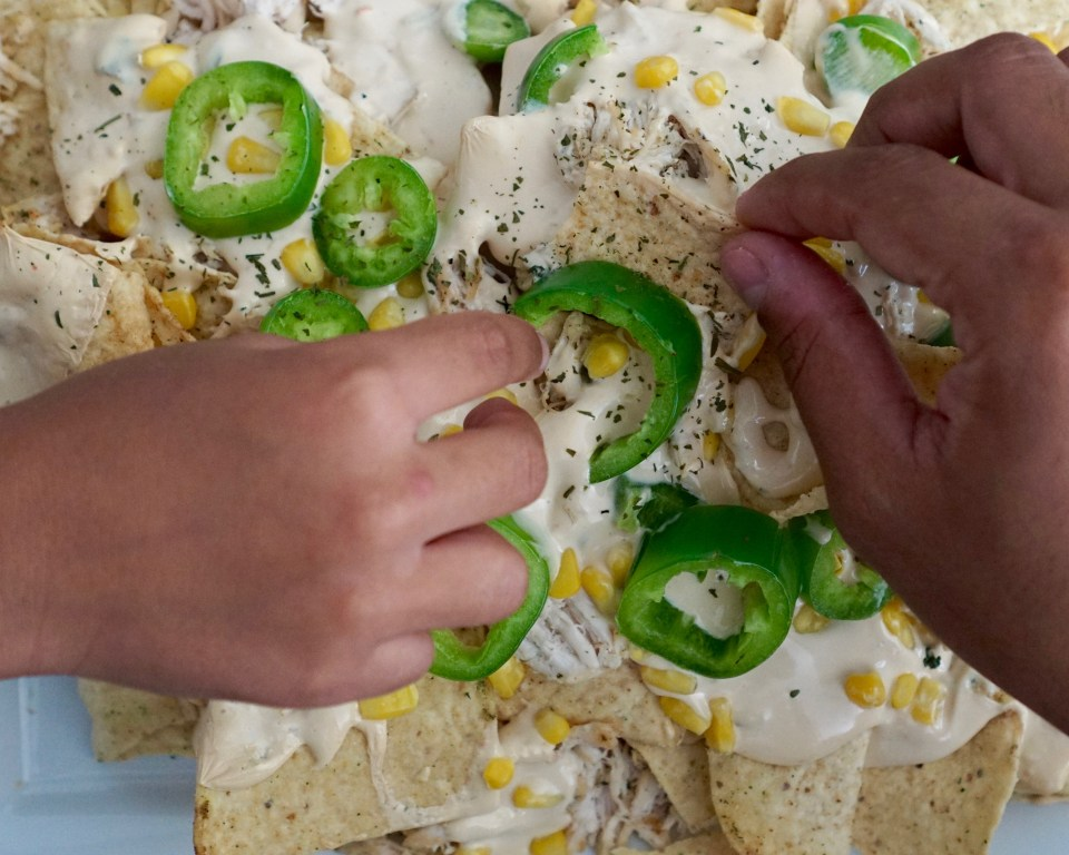 The Easiest Chicken Nachos Recipe for a Crowd