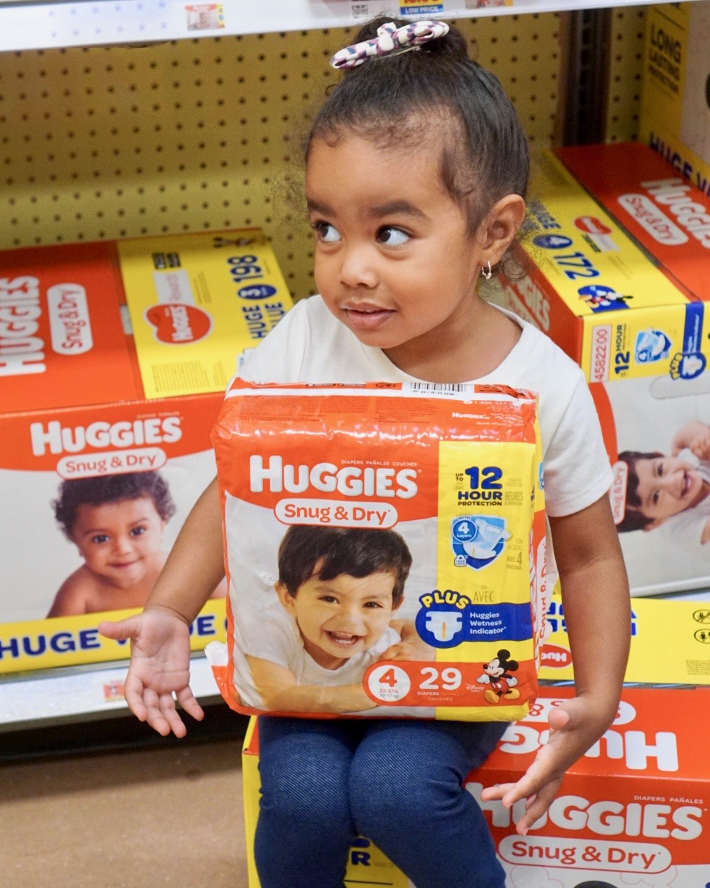 huggies, diapers, toddler, babies, infants, No Baby Unhugged program, diaper bank network, diaper need, holiday giving