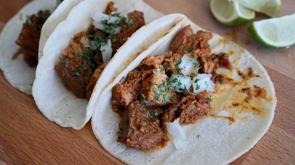 Easy No-Prep Carnitas Recipe for Dinner & Get Togethers