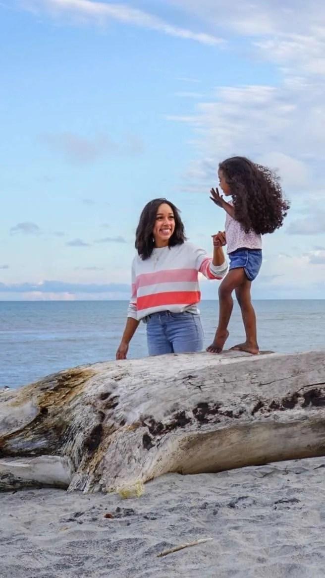 latina health, latina, infertility, family at the beach, mom and daughters, mom and daughters at the beach, beach, ocean,