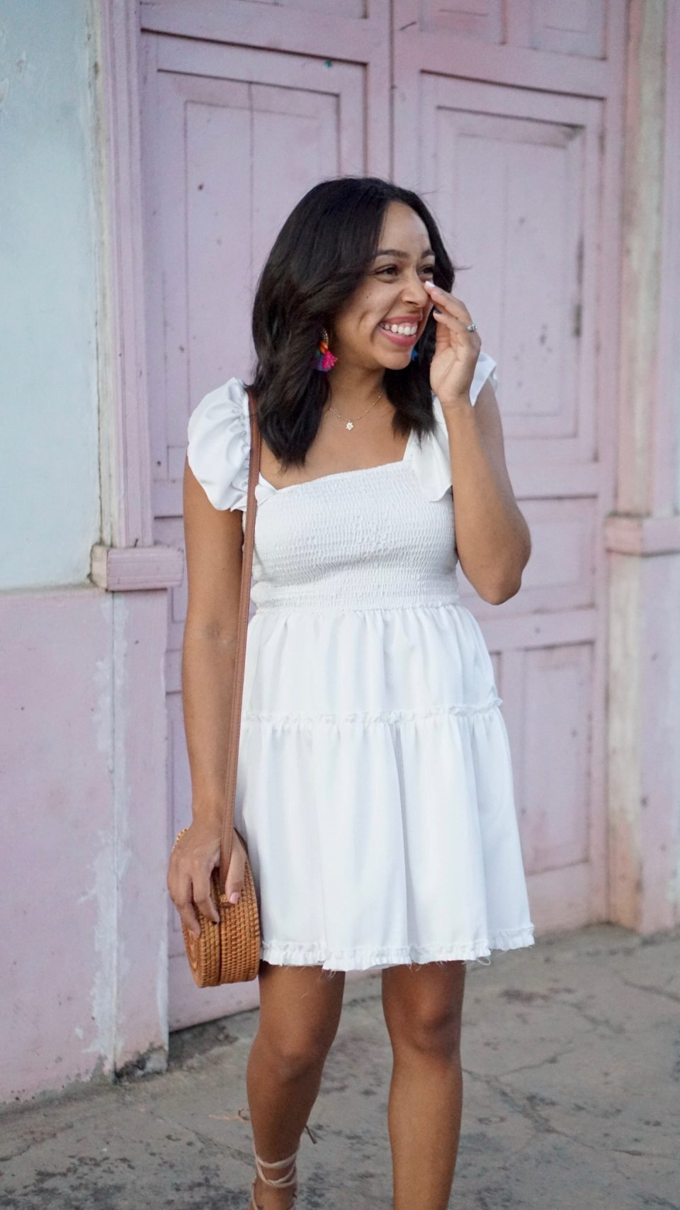 little white dress to wear this spring and summer or to go on vacation.