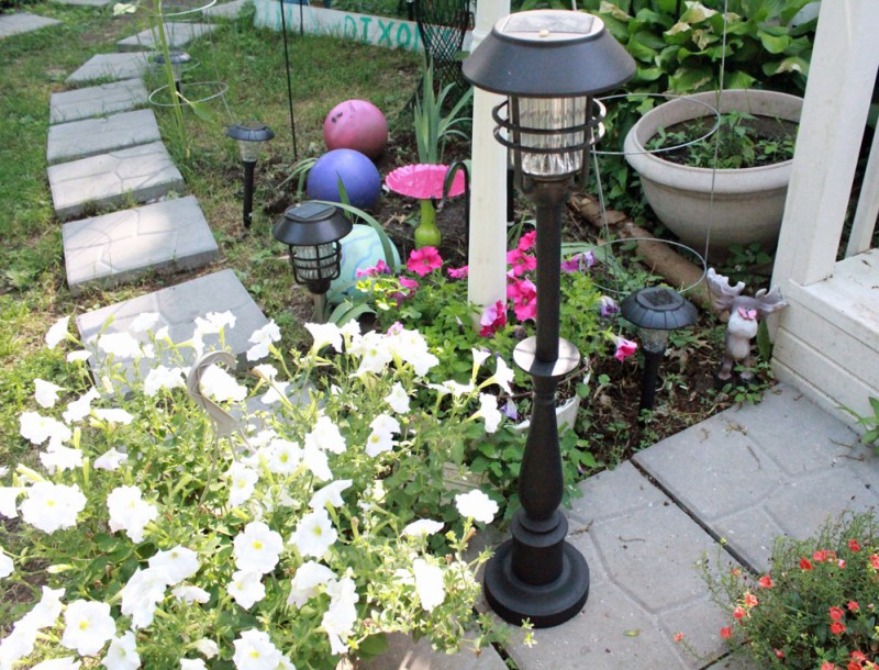 DIY Garden Post Upcycle from Lamp