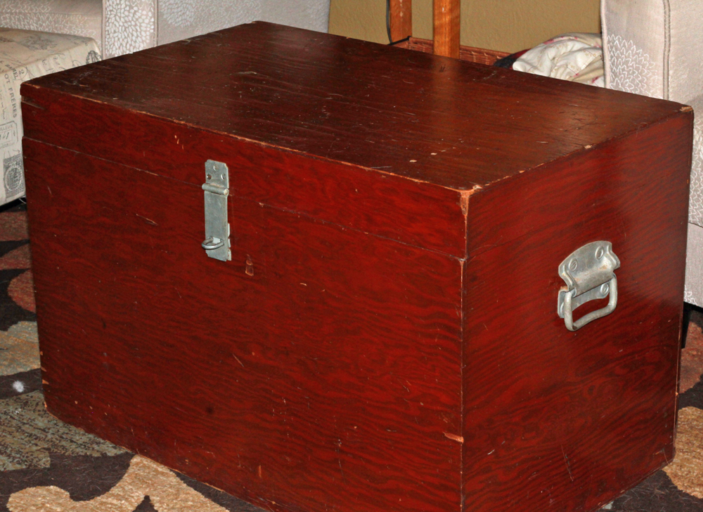 Vintage Chest To Table DIY