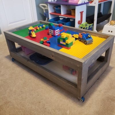Rectangular rolling Lego table