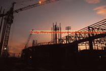 Night falls, but bustling activity never ceases Club House's cutting-edge Roof-top tennis courts being prepared (13-Dec-2014)