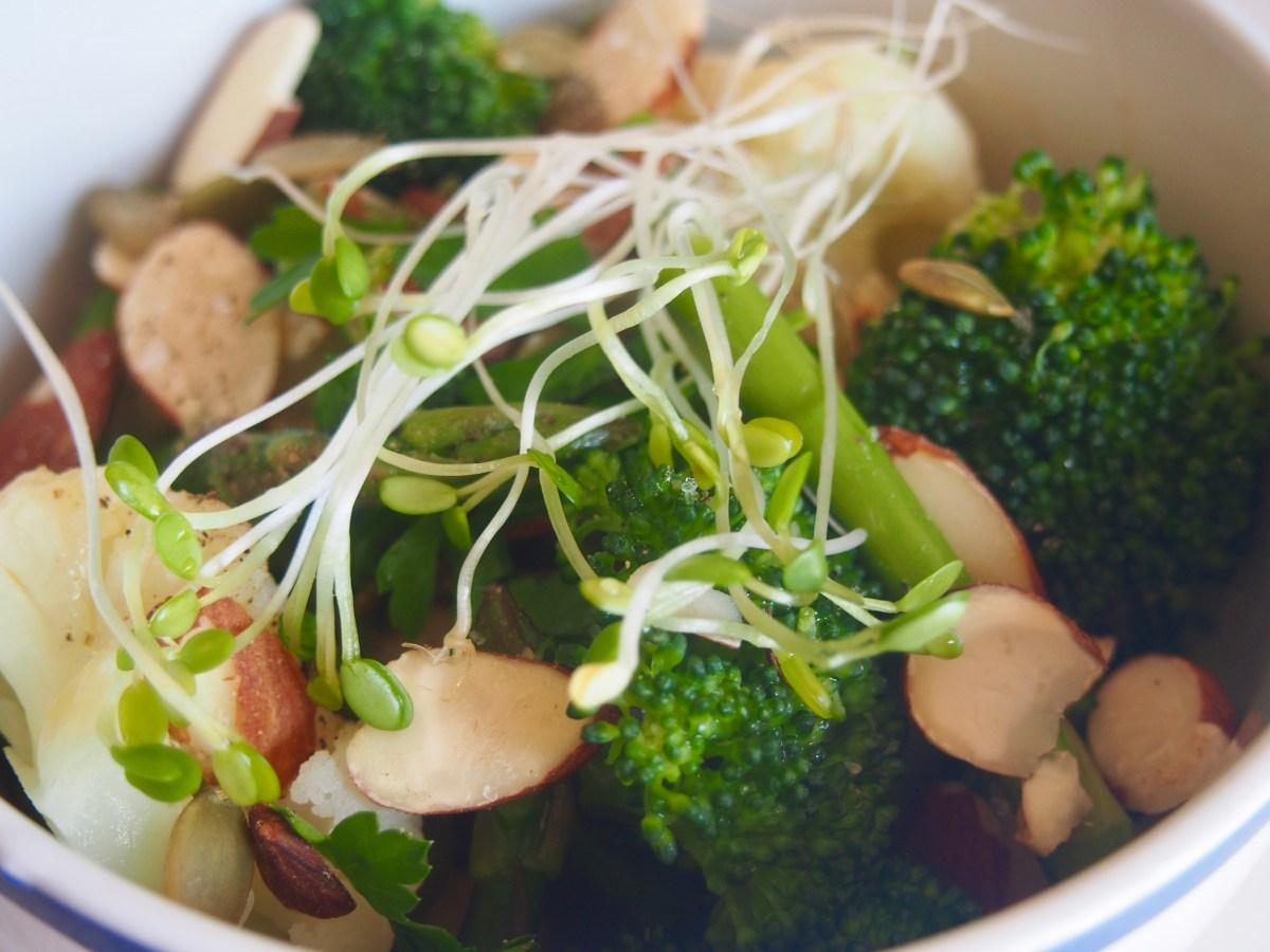 Cruciferous crunch detox bowl