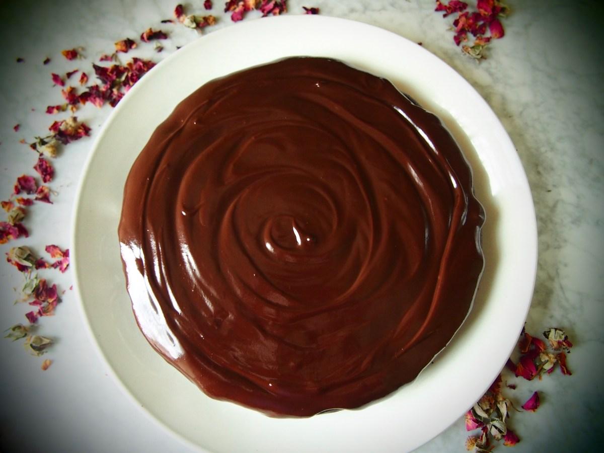 paleo flourless chocolate cake gluten-free dairy-free refined sugar-free