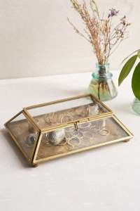 Ring-holder-Urban-Outfitters