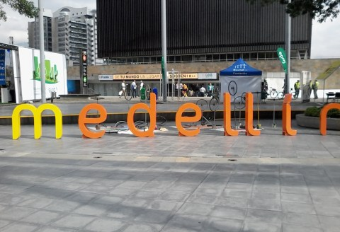 medellin sign bicycle
