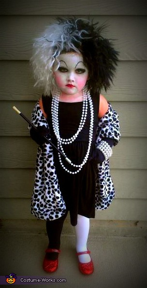 cruella_devil | This Blended Home of Mine - Halloween Costumes for the Whole Family
