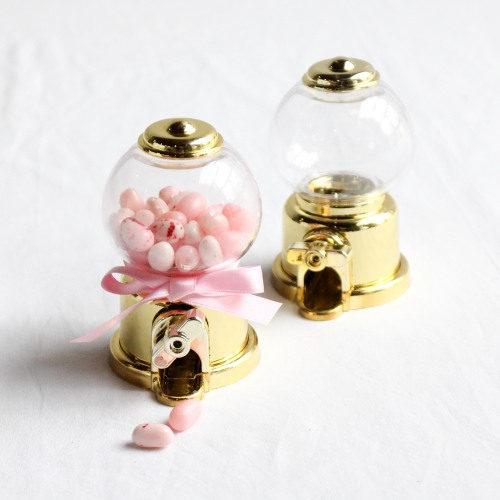 Wedding Favors That Won't Blow Up Your Budget - Gumball Machine