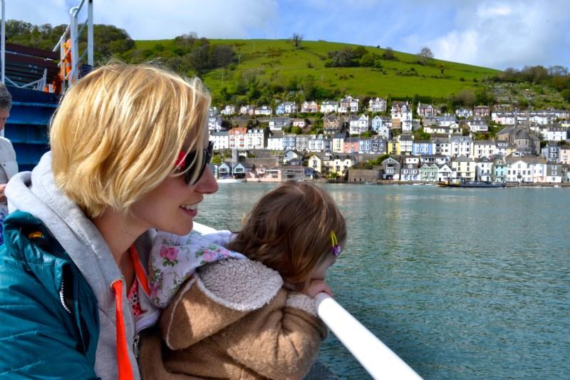 ferry crossing dartmouth kingswear, dart estuary