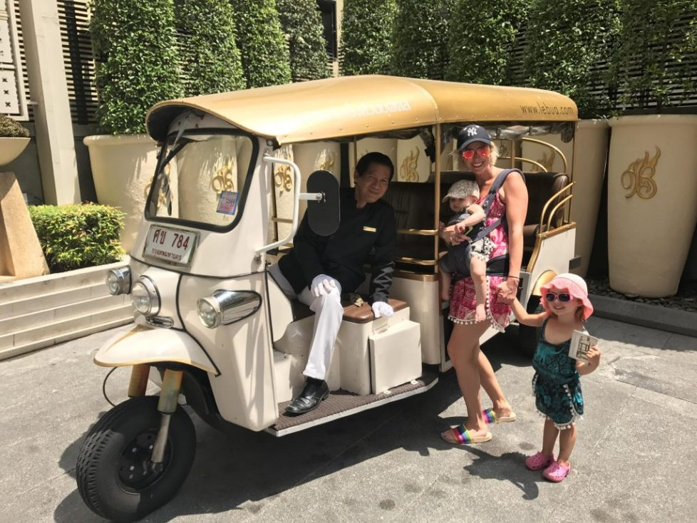 Tuk tuk Thailand : 9 reasons why an Ergobaby 360 is the best baby carrier for travel