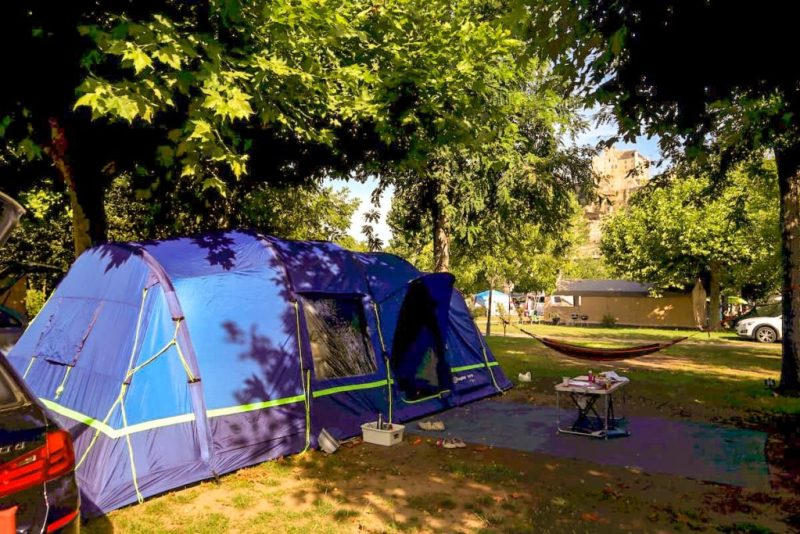 pitch beynac, campsites on the dordogne river, france