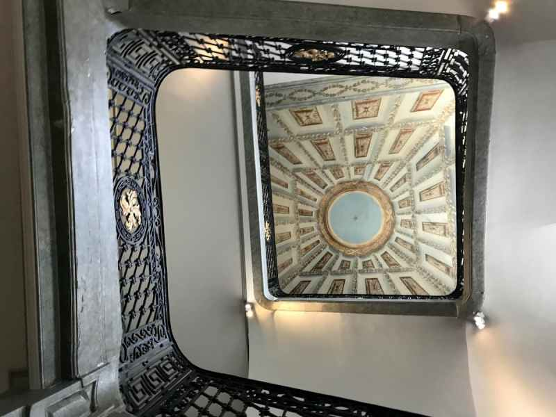Trompe l'oeil staircase hotel anne d'anjou France