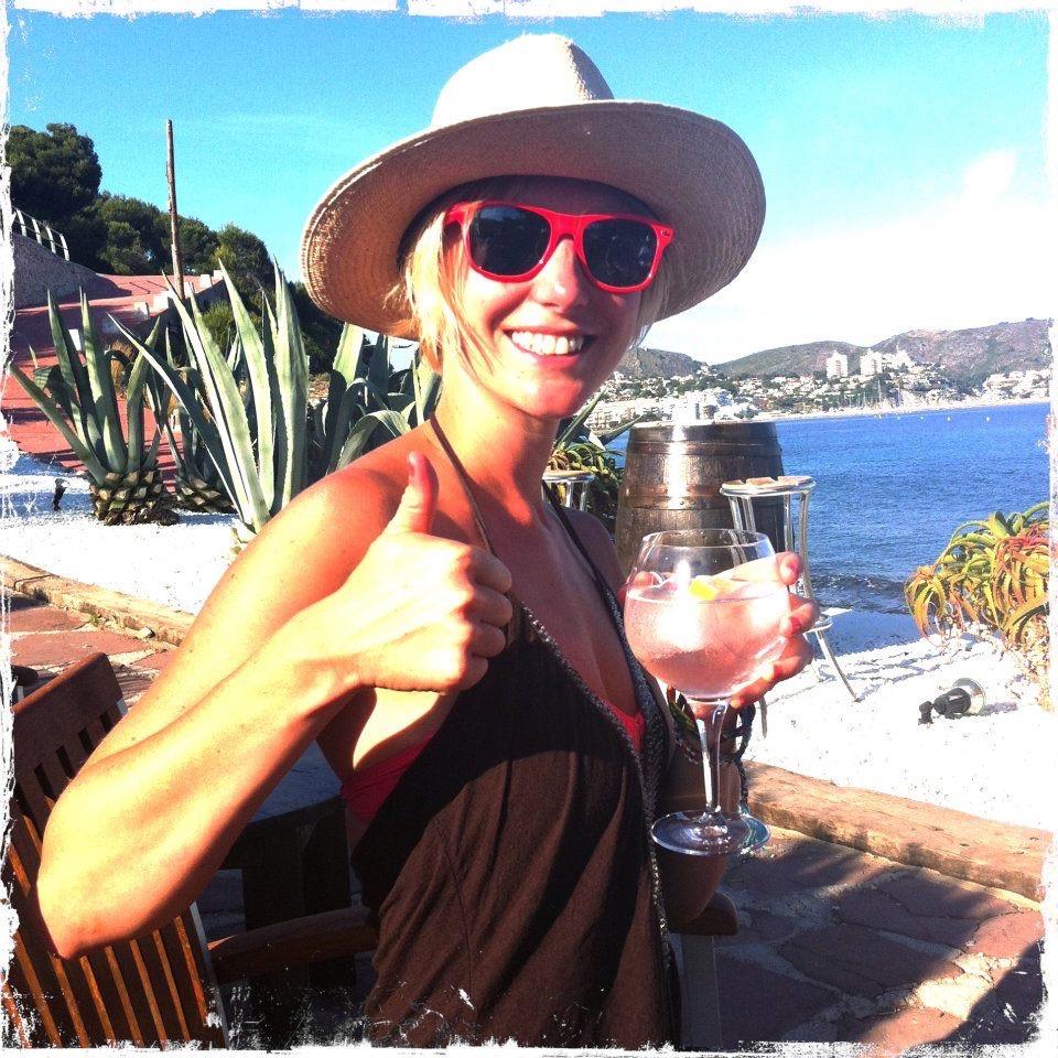 Gin and tonic at Algas Moraira