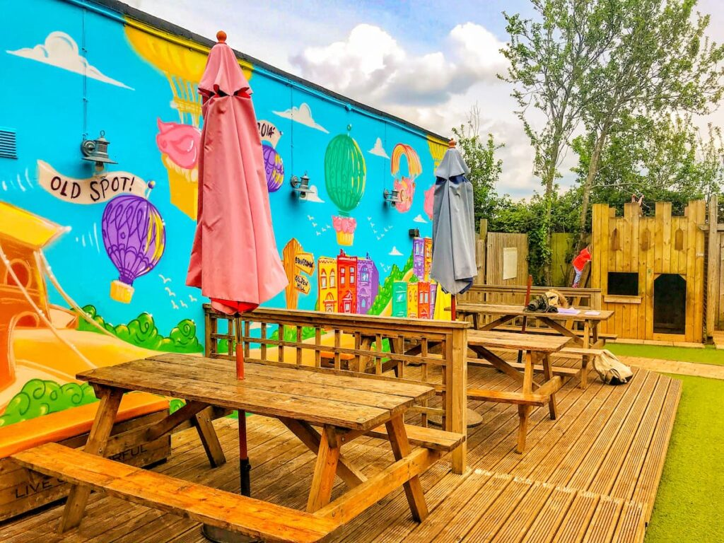 Pubs with playgrounds - Gloucester old spot bristol