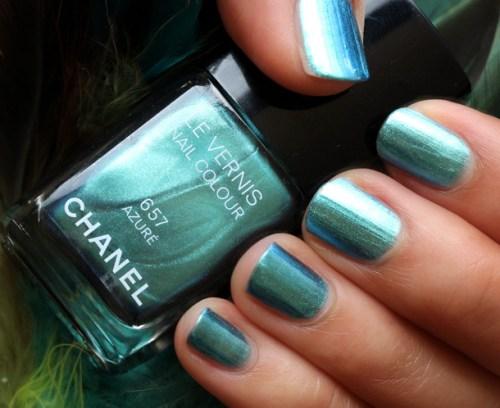 Chanel-Azure-Nail-Polish-Swatch-4