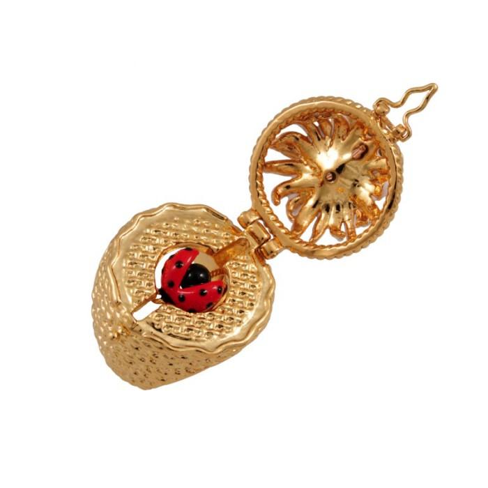 les-nereides-paris-jewelry-champetre-secret-ring-daisy-butterfly-and-ladybug-11