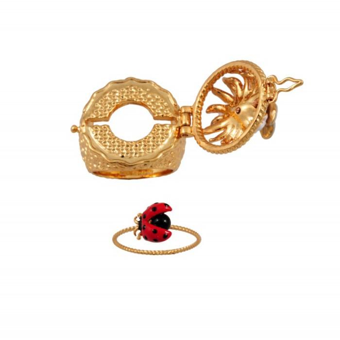 les-nereides-paris-jewelry-champetre-secret-ring-daisy-butterfly-and-ladybug-2