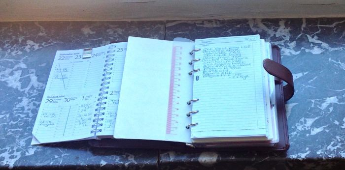 Left the week on two pages vertical insert. Right the weekly list