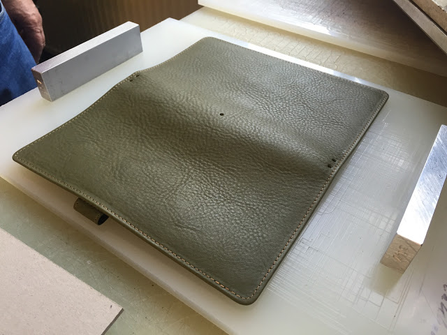 For more photos of this binder and a photo essay of its production process, click here