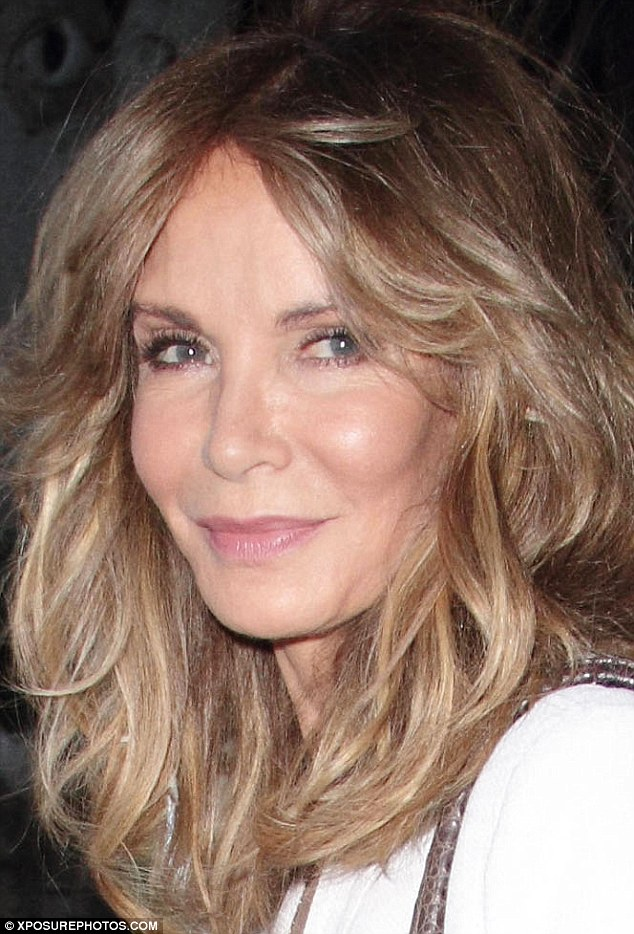 3594741F00000578-3656627-Ageless_beauty_Jaclyn_Smith_70_appeared_more_youthful_than_most_-m-32_1466697831221