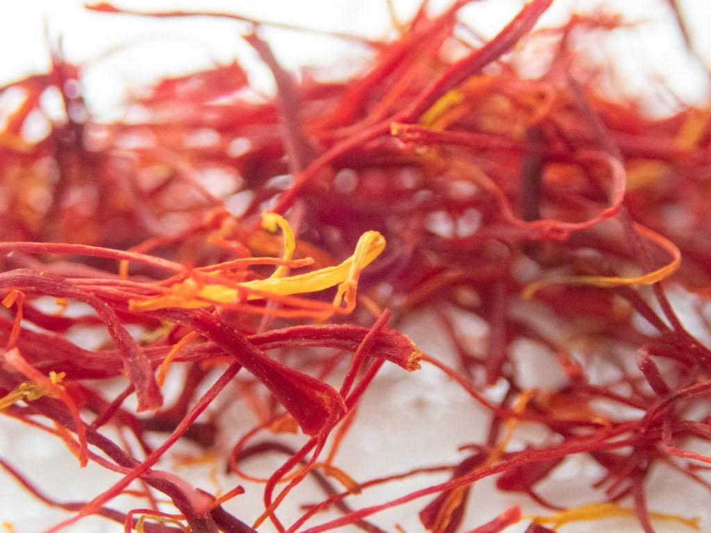 Macro Saffron