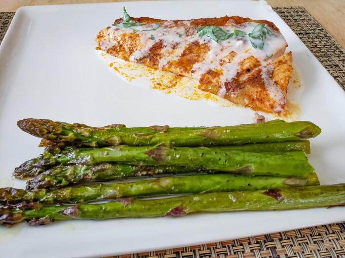 Salmon with Yogurt Dressing and Asparagus