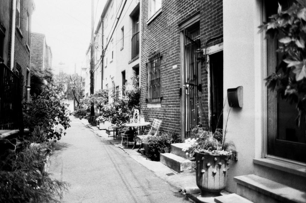 Pleasant Alley
