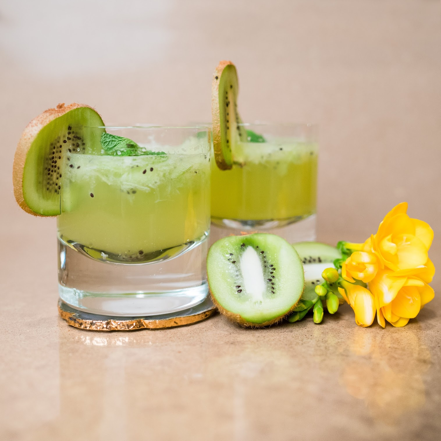 Pineapple-Kiwi Lemon Sparkler
