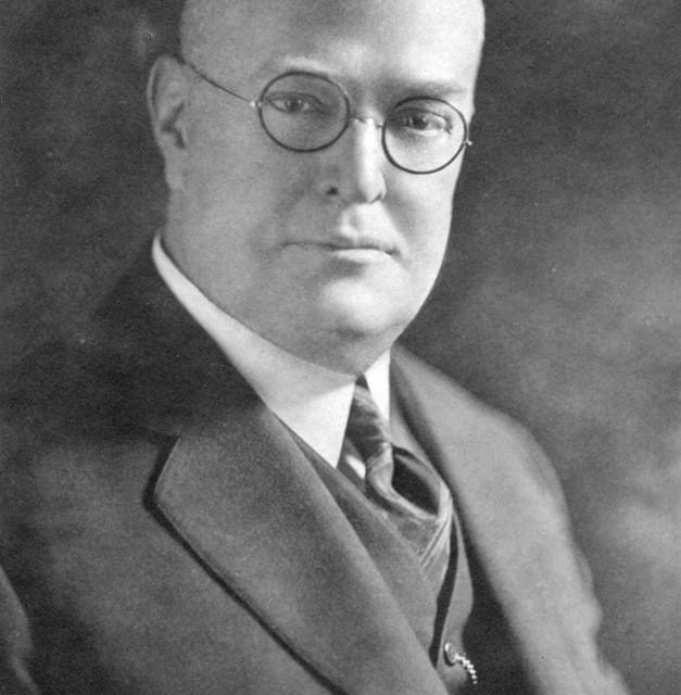 At anAmerican Leaguemeeting inChicago,Ban Johnsonannounces that an A.L. team will be placed in the Windy City to ensure the stability of the league. Other franchises are inKansas City,Minneapolis,Milwaukee,Indianapolis,Detroit,Cleveland, andBuffalo. In an agreement withChicago National Leagueofficials, the A.L. club will be situated on the south side of the city and will be permitted to use the nicknameChicago White Stockings, formerly used by the N.L. team. However, the White Stockings will not be able to use the word Chicago in their official name. The new franchise, known as theWhite Sox, will be the1901 A.L.champion in the junior circuit's inaugural season as amajor league.