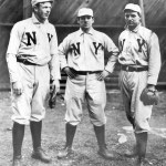 TheBeaneatersandGiantstradeshutouts, with Boston beatingJoe McGinnityin the opener, 1 - 0, andChristy Mathewsonreturning the favor, 3 - 0, in the nitecap. The game is scoreless until New York scores a run in the 7th offVic Willis.