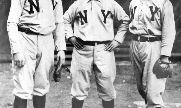 TheBeaneatersandGiantstradeshutouts, with Boston beatingJoe McGinnityin the opener, 1 – 0, andChristy Mathewsonreturning the favor, 3 – 0, in the nitecap. The game is scoreless until New York scores a run in the 7th offVic Willis.