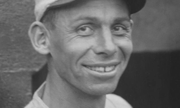 TheBrownstopDetroit' 9 – 6' paced byKen Williams'grand slamin the 3rd inning.Harry HeilmannandTy Cobbget into an argument with the umpires and will be suspended' missing tomorrow's twinbill.