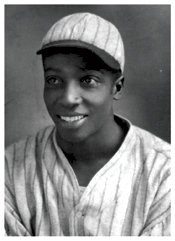 Cool Papa Bell hits 3 homeruns in one game