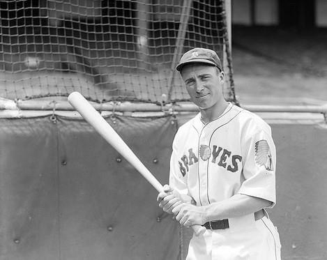 Wally Bergerhits a home run' 2 doubles' and a triple' to tie the modern major league record forextra-base hitsin a game' but hisBraveslose to theDodgers' 7 – 5. Berger drives in all of Boston's runs and his homer' his 25th of the year' puts him one ahead ofMel Ottin the home run race.