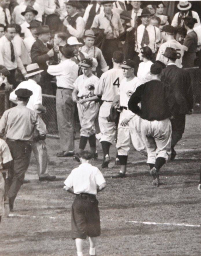 Yankees Roger Maris with the great catch at Yankee Stadium, May 6th, 1962.