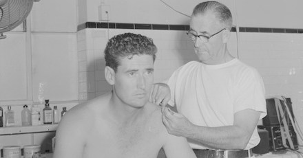 Ted Williams goes 8-9 when he returns from collarbone fracture