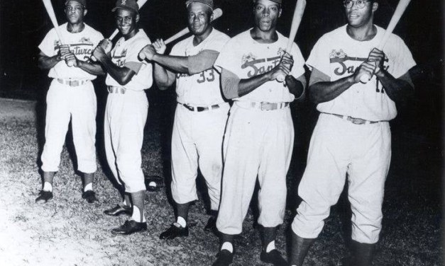 """1954–Willie MaysandRoberto Clementelead the North to victory in thePuerto Rican Winter League'sannual all-star fund-raiser.The Sporting Newscorrespondent Pita Alvarez De La Vega gives the exuberant young duo's exploits some national exposure: """"The league took a break from its pennant battle to stage the annual 'Three Kings' all-star game atMayaguez. All proceeds went into a YMCA fund to buy gifts for the island's poor children in keeping with the old Latin tradition of the Three Kings bringing gifts onJanuary 6… The All-Star North team, made up of players from theSanturceandMayaguezclubs, won the game, 7 to 5. Willie Mays and Roberto Clemente hit home runs for the winners."""""""
