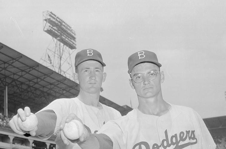 In what will be their most important move of the season, the Brooklyn Dodgers bring up rookie pitchers Roger Craig and Don Bessent from the minor leagues. They immediately pay dividends as they beat the Redlegs in both ends of a doubleheader. Craig wins, 6 – 2, and Bessent matches it, 8 – 5.