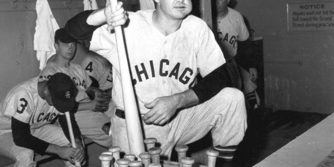 Chicago White Soxsecond basemanNellie Foxgoes 5 for 7 and hits an unlikely 14th-inning two-run home run offDon Mossito beat theDetroit Tigers